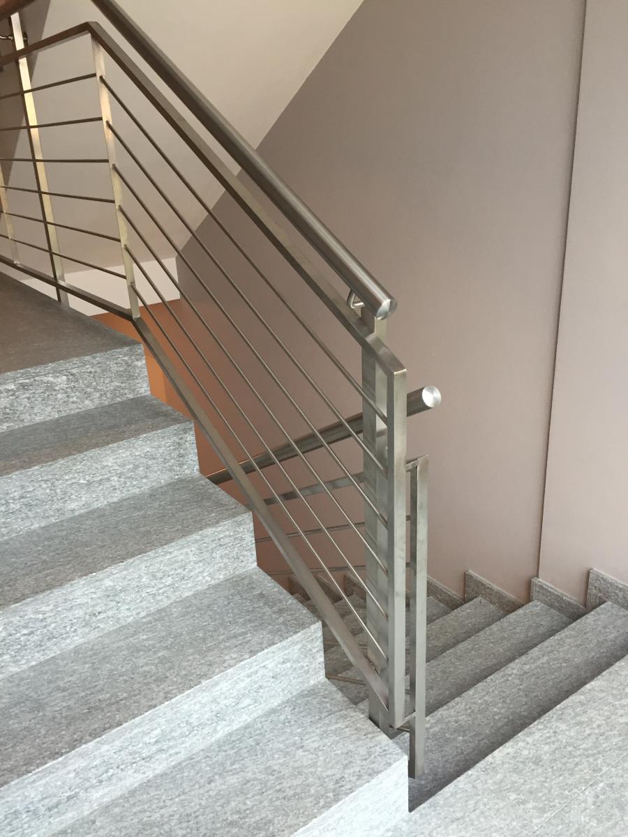 Ringhiere In Ferro Usate ringhiera in acciaio inox per scale interne | mondino srl