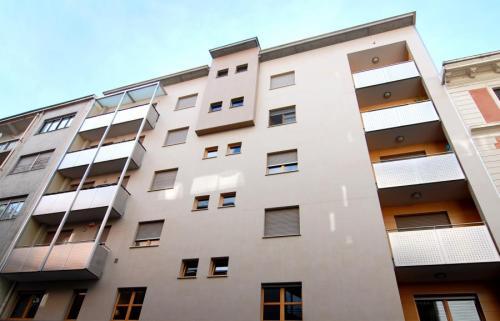 condominio-balconi-acciaio-inox-vetro-000-13