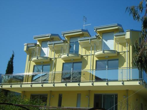condominio-parapetto-acciaio-vetro-000-12
