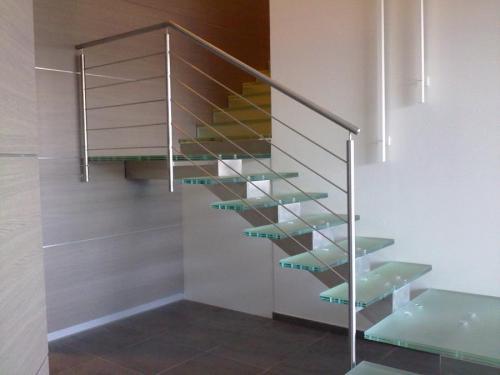 scala-acciaio-inox-pedate-vetro-005