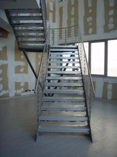 scala-ferro-gradini-lamiera-sagomata-007A